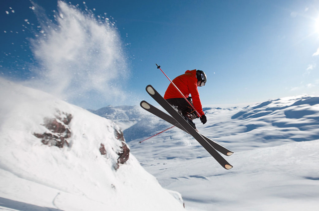 Skifahrer Sprung